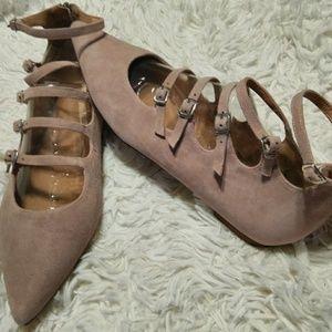 Shoes - Halogen Kali pointy toe flats